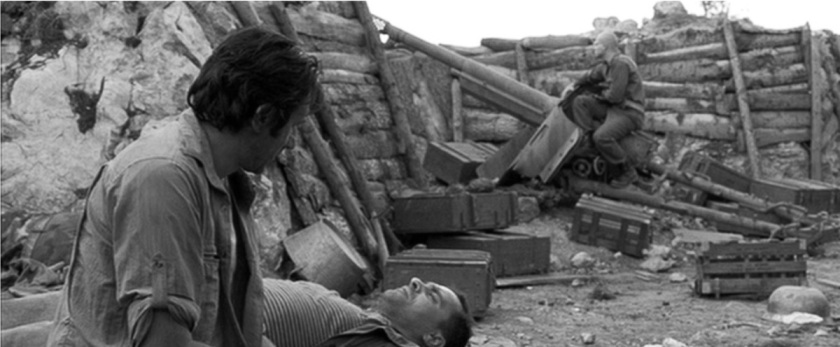 No Man's Land (Denis Tanović, 2001): trapped together in the trench © 2001 Noé Productions, Fabrica Cinema, Man's Films, Judy Counihan Films, Studio MAJ-Casablanca